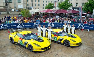 2014-chevrolet-corvette-c7-r-at-the-24-hours-of-le-mans_